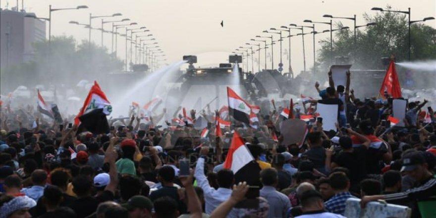 Irak'ta eylemciler güvenlik güçleriyle çatıştı: 3 kişi öldü