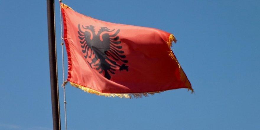 Arnavutluk Cumhurbaşkanı, Türkiye ile mali-askeri iş birliği anlaşmasını onayladı