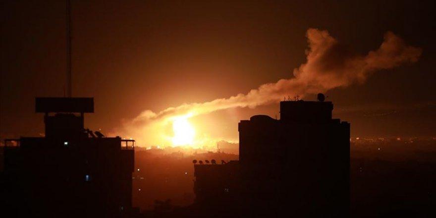 İşgalciler Hava Saldırısıyla Gazze'yi Vurdu