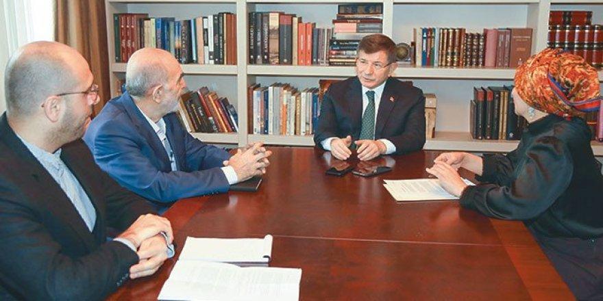 Ahmet Davutoğlu: Şahıs Partisi Şahısla Gider
