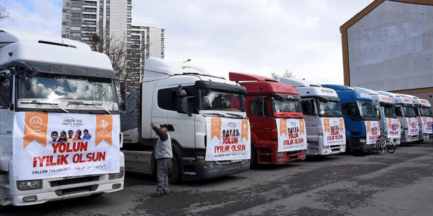 Kayseri ve Erzincan'dan İdlib'e 43 Tır İnsani Yardım Malzemesi