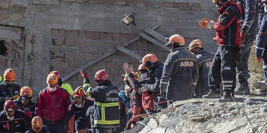 Elazığ'daki Depremde 29 Kişi Hayatını Kaybetti