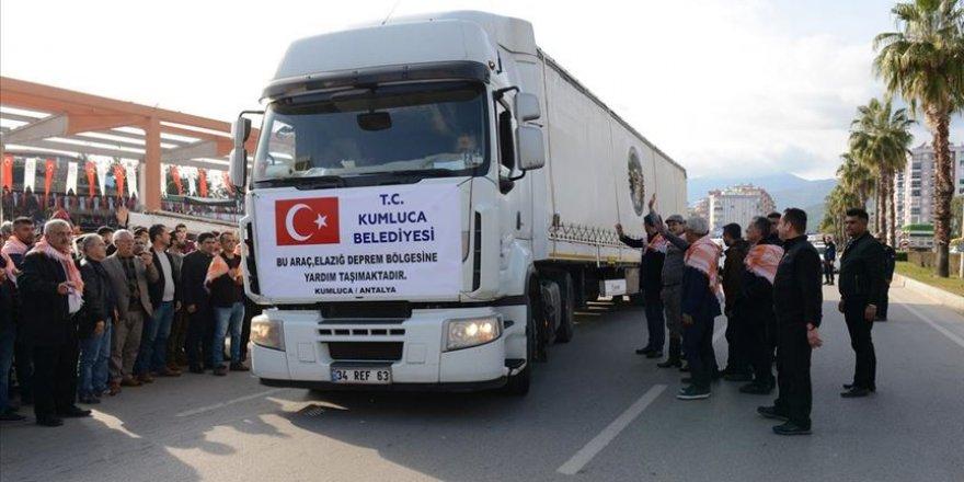 Kumluca'dan Elazığ'a 20 Ton Sebze ve Meyve Gönderildi