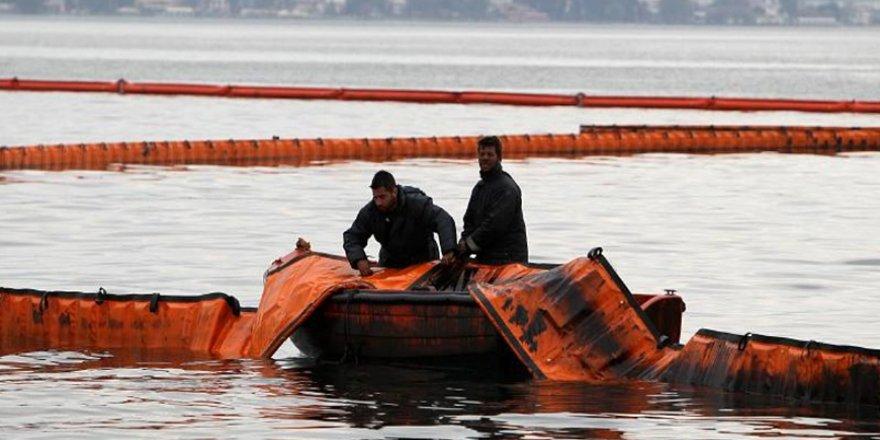 Yunanistan Mültecilere Karşı 'Yüzen Bariyer' Kullanacak