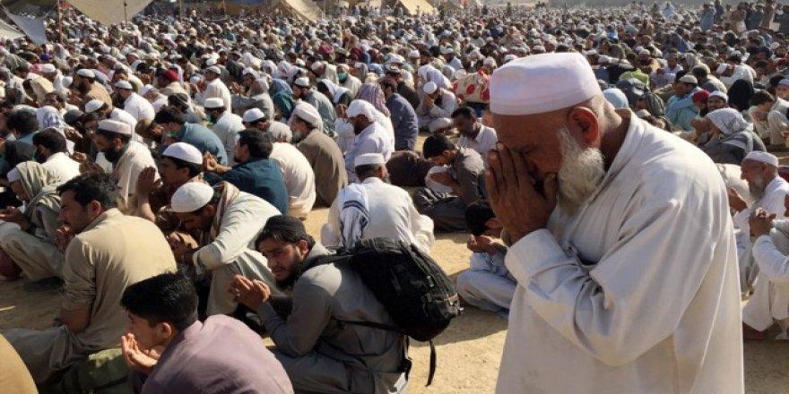 Tebliğ Cemaati, Büyük içtima ve Şeyh Hasina