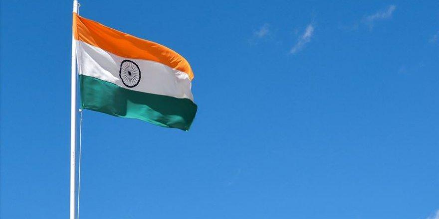 Hindistan Parlamentosunda, Vatandaşlık Yasası'ndaki Değişiklik Protesto Edildi