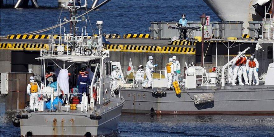 Japonya'da Karantinaya Alınan Yolcu Gemisinde 10 Kişide Koronavirüs Saptandı