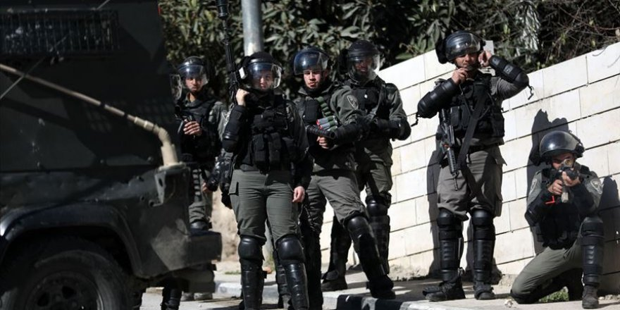 Siyonist İsrail Güçleri, Batı Şeria'da 4 Filistinliyi Yaraladı