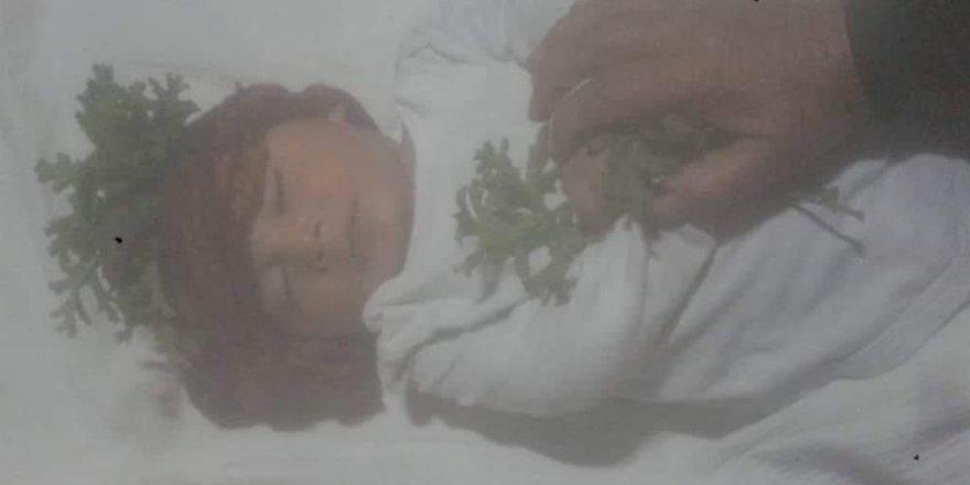 Suriye'deki Kamplarda Bebekler Donarak Ölüyor