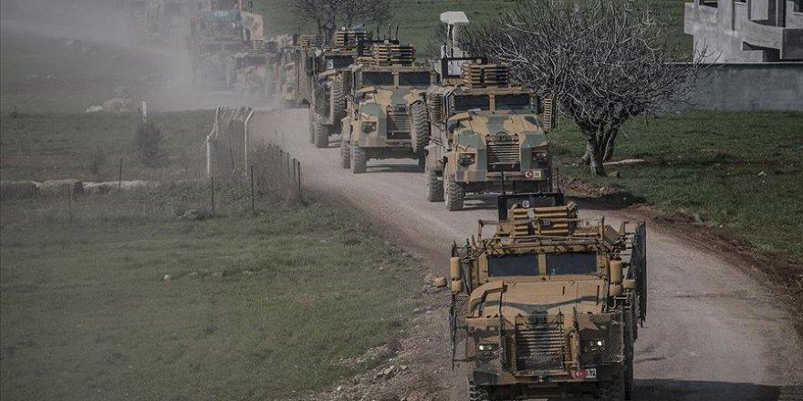 Komandolar Vatandaşların Okuduğu Fetih Suresi Eşliğinde Sınıra Gitti