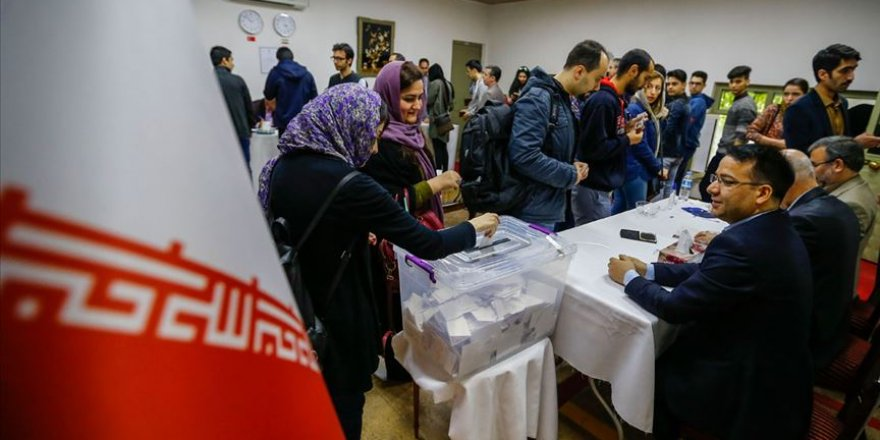'Rejime Güven Oylaması' Olarak İran'daki Seçim