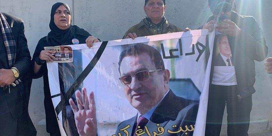 Sisi Cuntası Devrik Diktatör Mübarek'i Askeri Törenle Uğurladı!