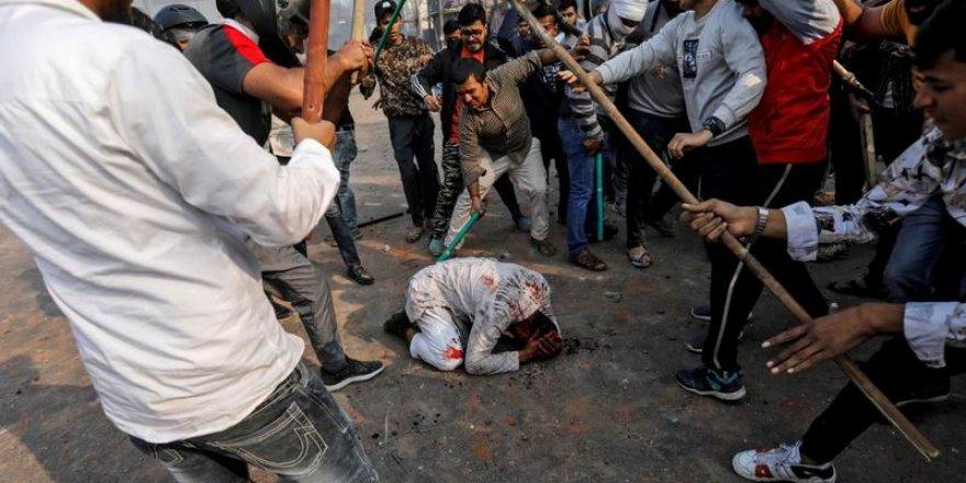 Hindistan'da Öldüresiye Dövülen Müslüman, Dehşeti Anlattı