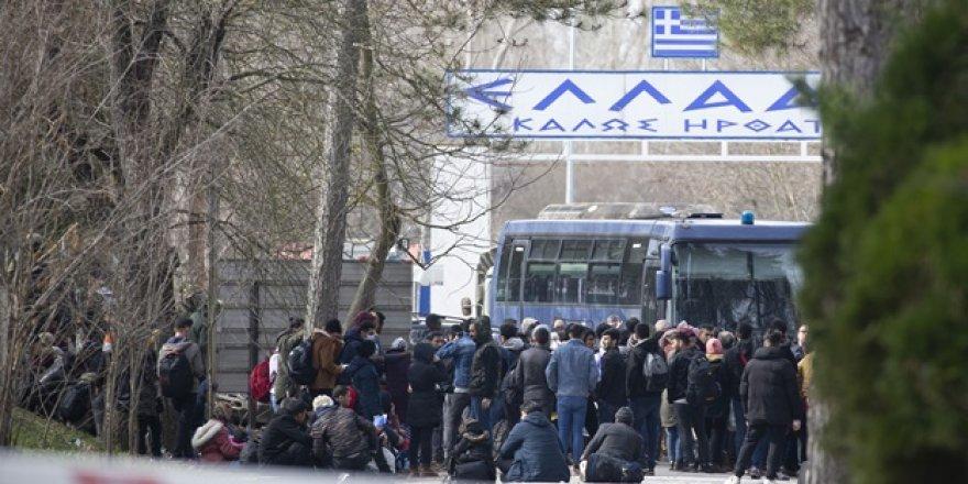 Yunanistan Göçmenleri Sınırda Bekletiyor