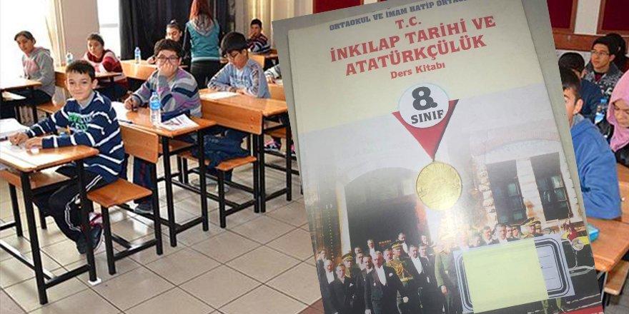 Ortaokul Öğrencilerine ''Türk Genci Atatürkçü Olmak Zorundadır'' Dayatması!