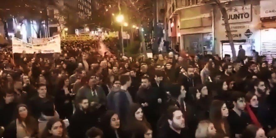 Polis Şiddetine Karşı Atina'da Mültecilerle Dayanışma Eylemi