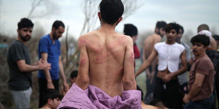 Yunan Askerleri Sığınmacıların Kıyafetlerini Çıkartarak Darbetti