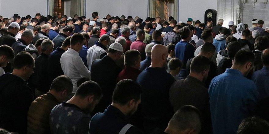 Dünya Müslüman Alimler Birliğinden Cuma ve Cemaatle Namaz Açıklaması