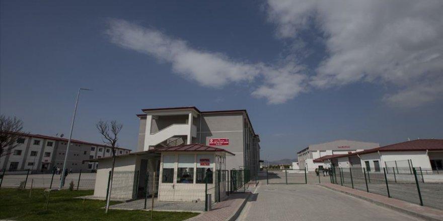 Hükümlü ve Tutukluların Telefonla Görüşme Hakkı Haftada İkiye Çıkarıldı