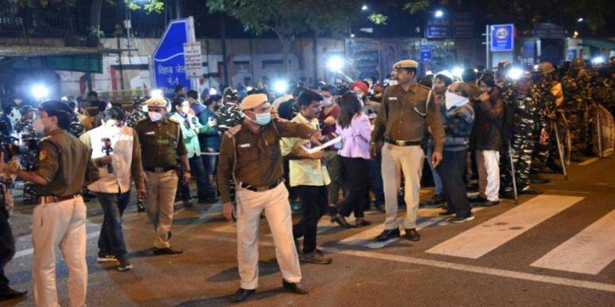 Hindistan'da Bir Genç Kıza Tecavüz Edip Öldüren 4 Mahkum İdam Edildi