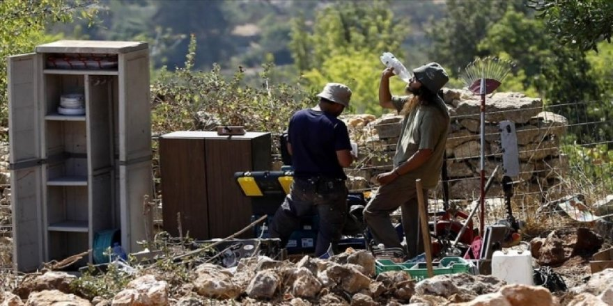 İşgalciler Batı Şeria'da Filistinli Çiftçilere Saldırdı