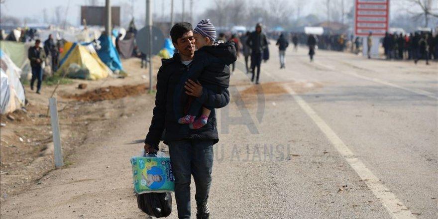27 Gündür Yunanistan'ın Kapıyı Açmasını Bekliyorlar