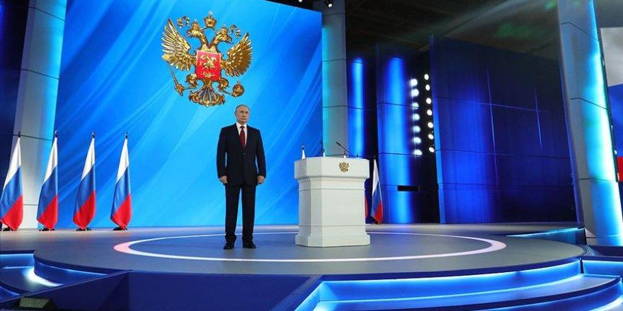 Putin'e Ömür Boyu Başkanlık Yolu Açıldı
