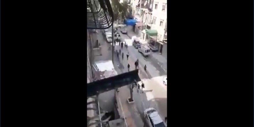 Esed Rejimi Kontrolündeki Halep'te Halk, Ekmek Dağıtan Arabaların Peşinde Koşuyor