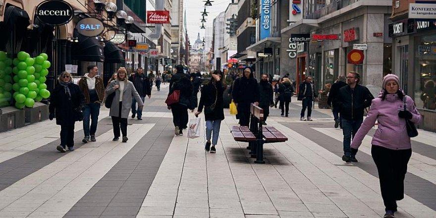 İsveç'in Koronavirüs Stratejisi: Yasaklama Yok, Halkın Sosyal Sorumluluğuna Güveniliyor