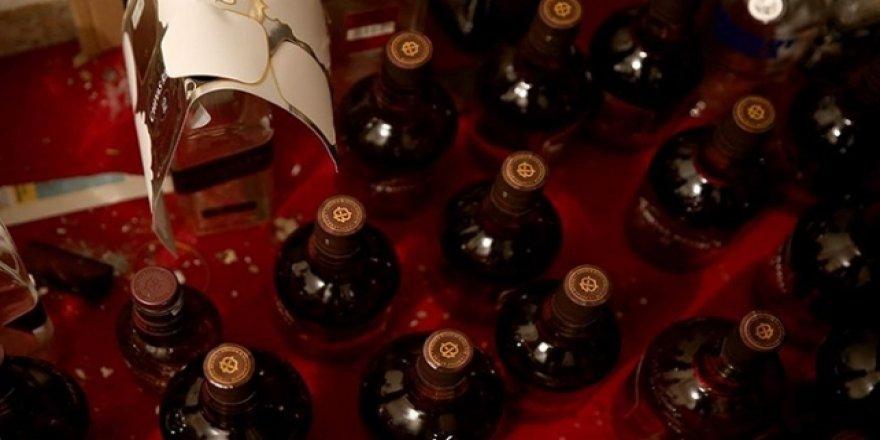 İran'da Sahte İçkiden Ölenlerin Sayısı 320'ye Çıktı