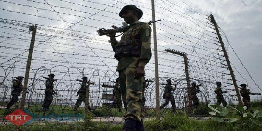 Cammu Keşmir'de 2 Sivil Evlerinde Vurularak Öldürüldü