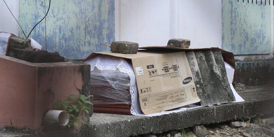 Ekvador'da Covid-19'dan Ölenlerin Cansız Bedenleri Sokaklara Taştı
