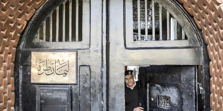 Zindanlardaki Mısırlı Doktorlar: Salgınla Mücadelede Halka Hizmet Etmeye Hazırız!