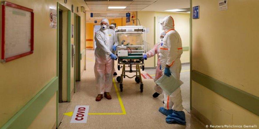 Katar İtalya'ya 2 Sahra Hastanesi Gönderdi