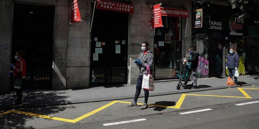 İspanya'da Kovid-19'dan Hayatını Kaybedenlerin Sayısı 15 Bini Geçti
