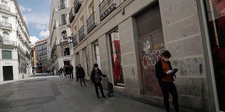 İspanya'da Kovid-19 Salgınından Can Kaybı 15 Bin 843'e Yükseldi