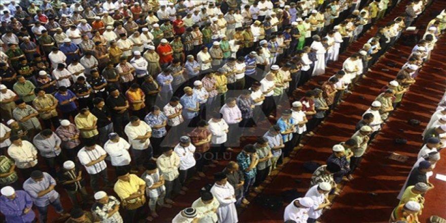 Sudan'da Cemaatle Namaz Kılınması Askıya Alındı
