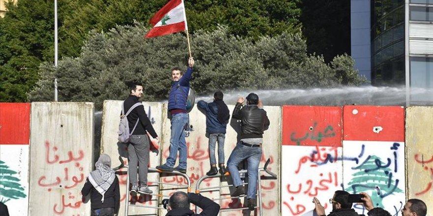 Lübnan'ın Birçok Kentinde Ekonomik Kriz Protesto Edildi