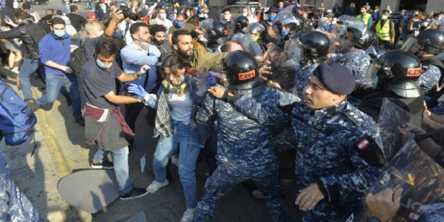Lübnan'daki Hayat Pahalılığı Protestosu Giderek Yayılıyor