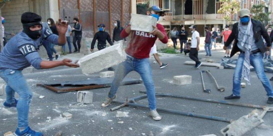 Lübnan'da Protesto Gösterileri Büyüyor