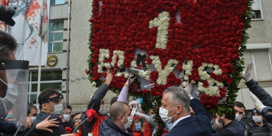 Türkiye Solunun 1 Mayıs'ta Taksim'e Yürüme Fetişizmi