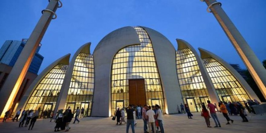 Almanya'daki Camilerin Çoğu 9 Mayıs'tan İtibaren İbadete Açılacak