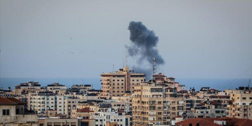 Siyonist İsrail, 3 Farklı Noktada Gazze'ye Saldırdı