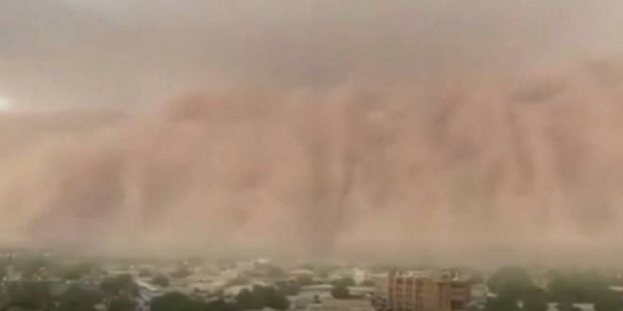 Nijer'de Kum Fırtınası İlginç Görüntüler Oluşturdu