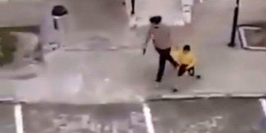 Mardin'de Polis, Site Bahçesinde Oynayan Çocukları Havaya Ateş Açıp Kovaladı