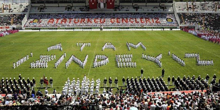 """""""19 Mayıs Bayramı""""nın Hikâyesi ve Bitmeyen Faşizm"""