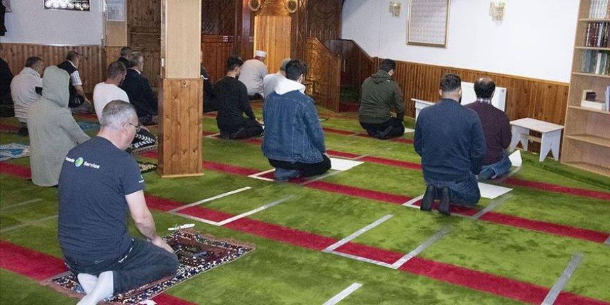 Danimarka'da Camiler Yeniden İbadete Açıldı