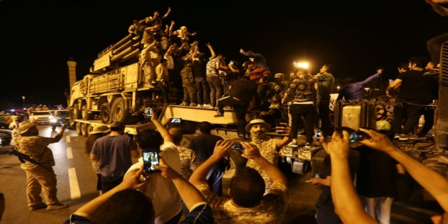 Vatiyye Askeri Üssü'nde İmha Edilen Pantsir Trablus'ta Sergilendi