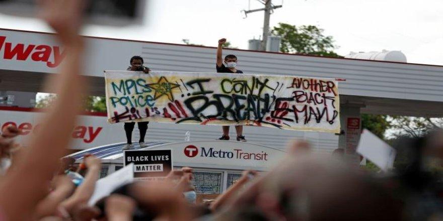 ABD'de George Floyd'un Katledilmesi Protesto Ediliyor