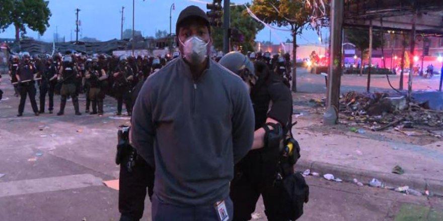 ABD'deki Protestoları Haberleştiren CNN Muhabirine Canlı Yayında Gözaltı